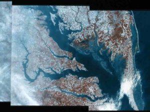 Чесапикский залив со спутника