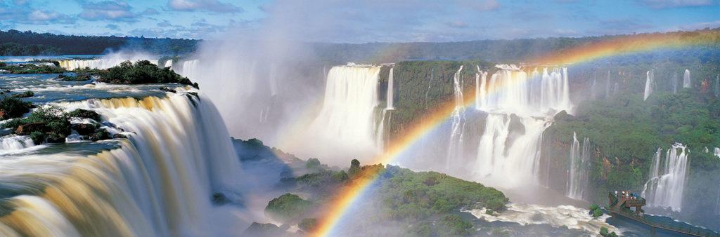 Радуга над водопадом Игуасу