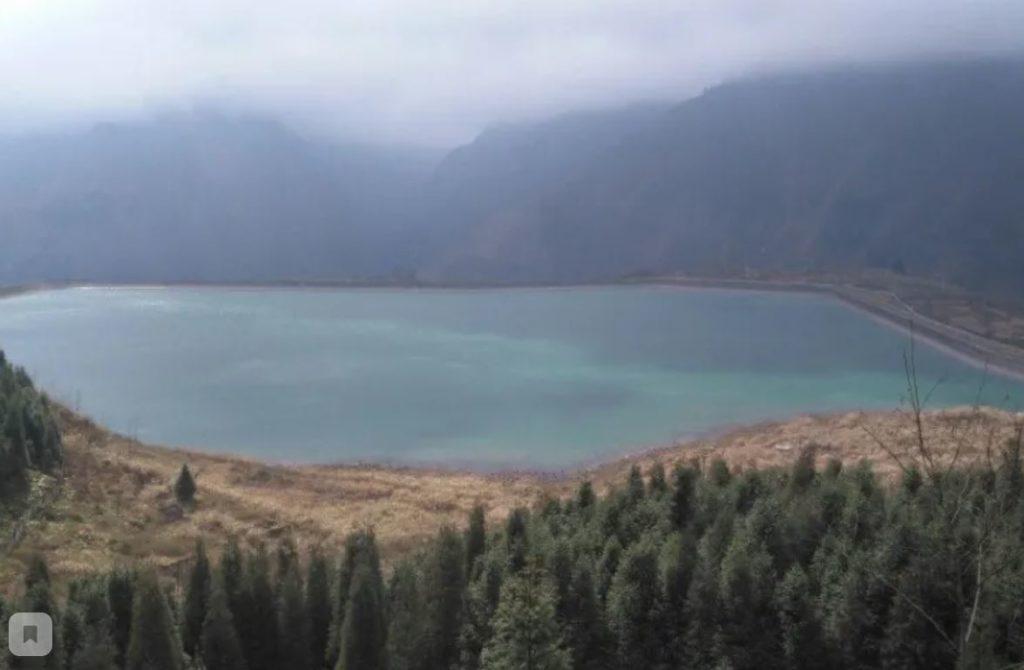 Озеро в Хейджугоу