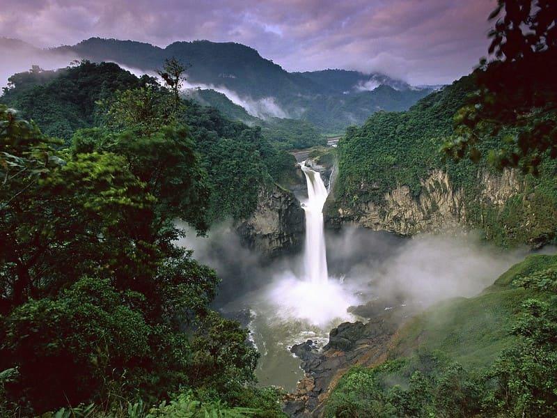 Амазония. Водопад