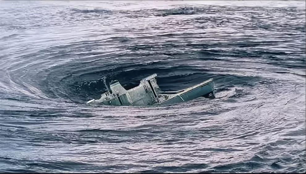 Корабль в водовороте