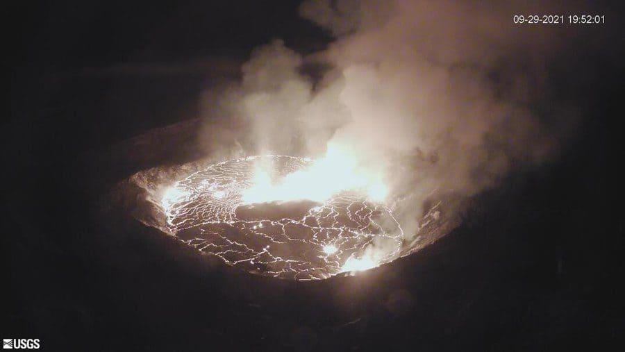 Лава в кратереХалемаумау